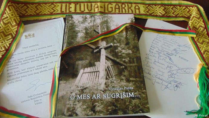 Подарок Миссии Сибирь с лентой в цветах литовского флага