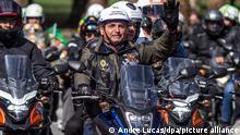 Bolsonaro durante motociata em São Paulo