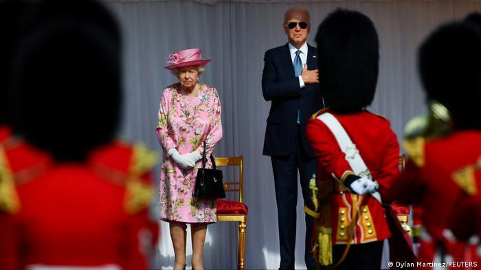 Єлизавета II та Джо Байден під час зустрічі у Віндзорському замку