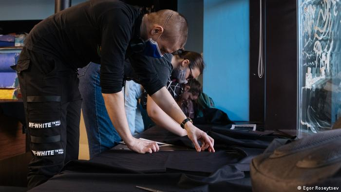 Красноярские участники проекта создают арт-объекты по инструкциям немецких художников