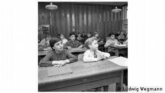 Παιδιά μεταναστών σε σχολείο στο Βάλσουμ