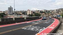 Neuer Fahrradstreifen inkl. Tempo-30-Zone über das Viadukt (Rua Paraisópolis). Ort: Viertel Santa Tereza in Belo Horizonte, Brasilien. Fotografin: Bianca Kopsch/ DW. Datum: Mai 2021