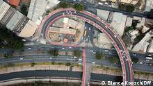 Neuer Fahrradstreifen inkl. Tempo-30-Zone über das Viadukt (Rua Paraisópolis). Ort: Viertel Santa Tereza in Belo Horizonte, Brasilien. Der neue Fahrradstreifen schafft die Anbindung an einen der Hauptfahrradwege der Stadt, um die Stadt von Ost nach West zu durchqueren. Fotografin: Bianca Kopsch/ DW. Datum: Mai 2021