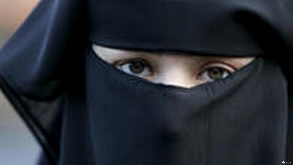 Dating Femeie araba Belgia)