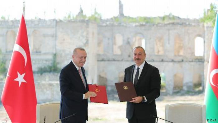 Türkiye Cumhurbaşkanı Recep Tayyip Erdoğan ve Azerbaycan Devlet Başkanı İlham Aliyev