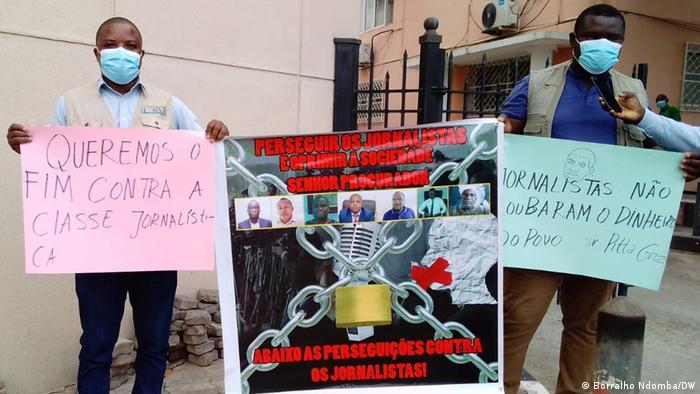 Journalisten protestieren in Luanda, Angola