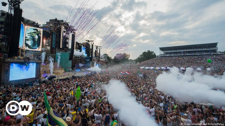 Music festivals 2021: To play or not to play?