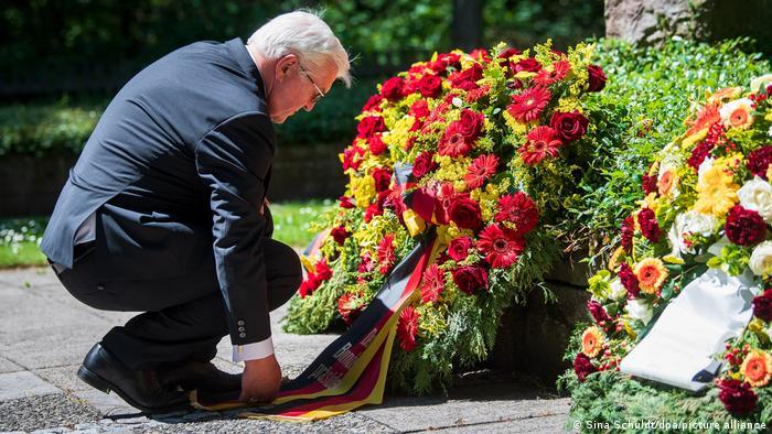 Deutschland | Bundespräsident Steinmeier besucht Gedenkstätte Sandbostel
