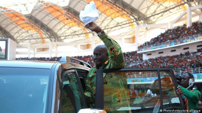 Sambia | der frühere Präsident Kenneth Kaunda beim 50. Jahrestag der Unabhängigkeit von Sambia