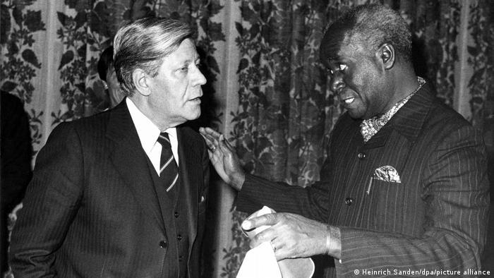 Kenneth Kuanda et le chancelier allemand Helmut Schmidt, en 1978