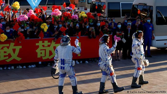 China Start Langer Marsch-2F Y12