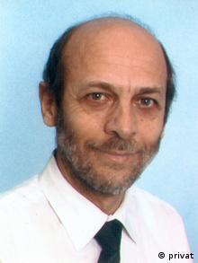 Ο Καθηγητής Μανώλης Κορρές