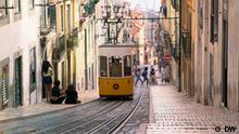 Portugal Altstadt Lissabon mit Standseilbahn