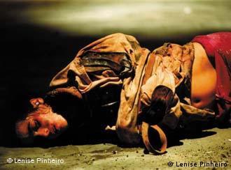 Apocalipse 1,11, de Antônio Araújo, aborda o massacre na prisão de Carandiru