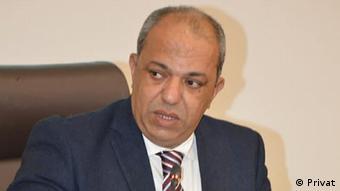الدكتور عبد الفتاح البلعمشي أستاذ العلاقات الدولية والقانون الدولي بجامعة القاضي عياض بمراكش