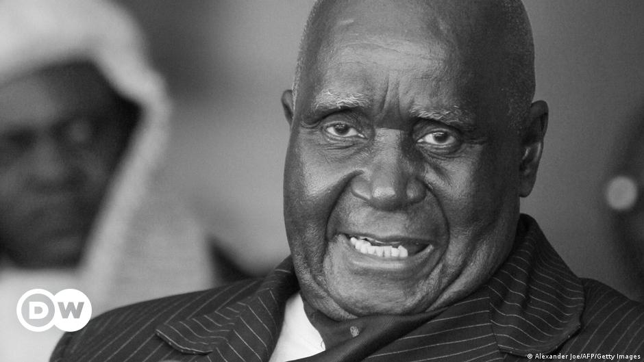 Zambia's founding father, Kenneth Kaunda, dies at 97