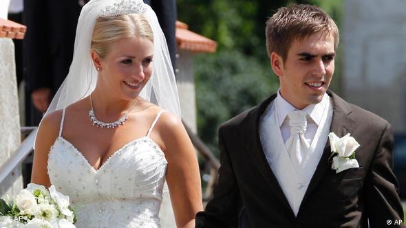 Philipp Lahm u Ligu prvaka ulazi kao svježi mladoženja, nedavno se oženio s Claudiom