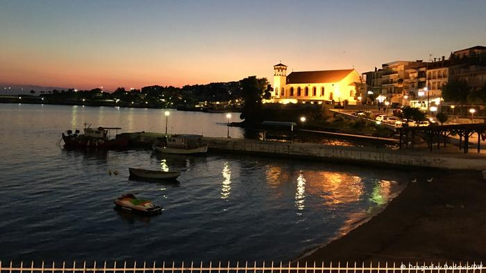 Neos Marmaras noću
