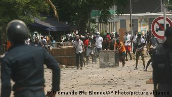 Retour de Gbagbo en Côte d'Ivoire, ses partisans dispersés par la police