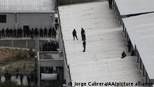 MOROCELI, HONDURAS -JUNE 17:Riot police on the roof of a cellblock during a riot in La Tolva prison in Moroceli, Honduras on Jun 17, 2021 Jorge Cabrera / Anadolu Agency