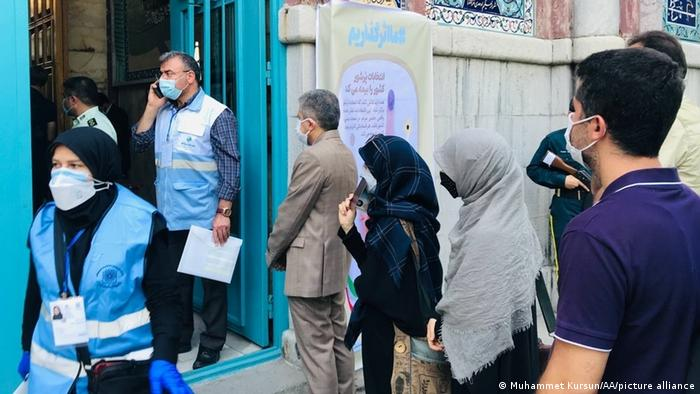 یکی از مراکز اخذ رای در تهران