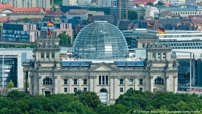 Bildergalerie Regierungsviertel   Blick auf den Reichstag, Berlin, Deutschland, Europa