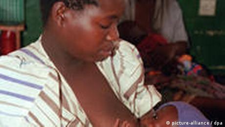 Afrika Stillen Frau Baby
