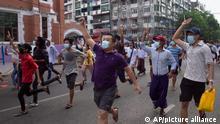 Myanmar I Flashmob in Yangon