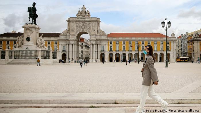 Portugal Lissabon   Coronavirus   Straßenszene