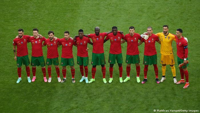 پرتغال در نخستین دیدار مرحله گروهی توانست با نتیجه ۳ بر صفر مجارستان را شکست دهد.