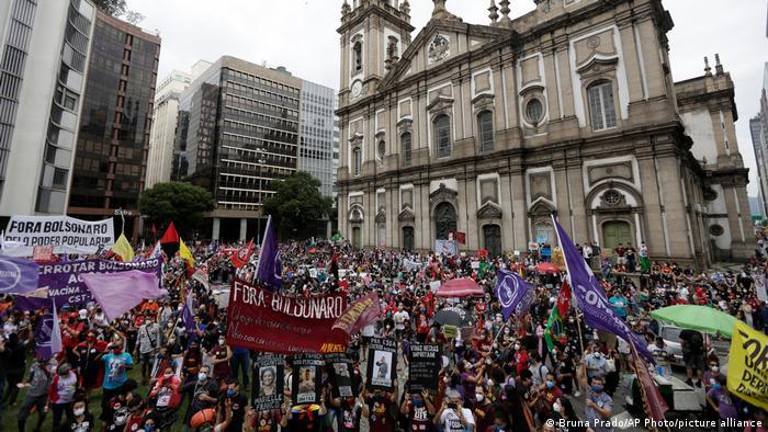 Акція протесту проти Жаіра Болсонару в Ріо-де-Жанейро