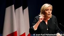 ARCHIV 2019 *** FILE PHOTO: France's far-right leader Marine Le Pen delivers a speech for the next year's municipal elections in an end-summer annual address to partisans in Frejus, France September 15, 2019. REUTERS/Jean-Paul Pelissier/File Photo