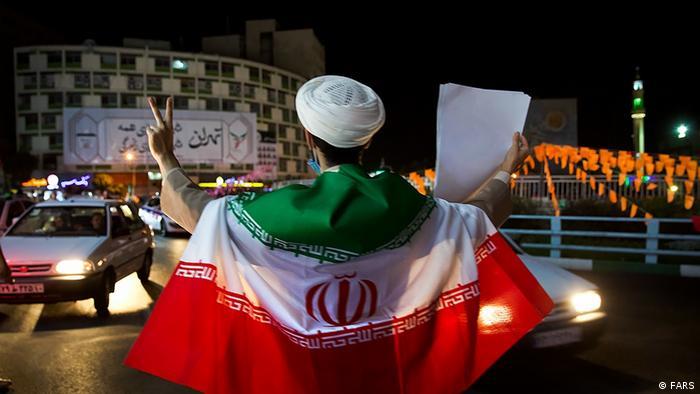 طرفداران ابراهیم رئیسی در خیابانهای تهران