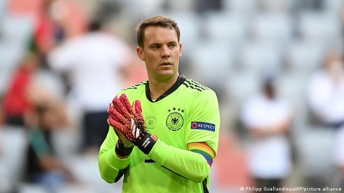 Мануэль Нойер на матче сборных Германии и Португалии