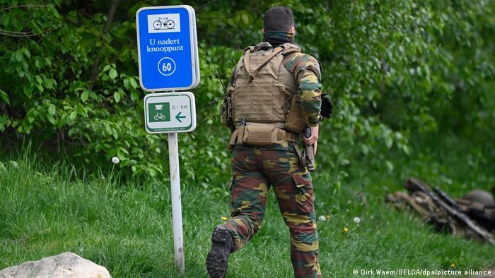 تلاش سربازان ارتش برای یافتن رامبوی بلژیک
