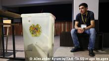 News Bilder des Tages YEREVAN, ARMENIA - JUNE 20, 2021: A ballot box is pictured at Polling Station 9/25 after Armenia s early parliamentary election. The vote was called by three parliamentary factions amid a long political crisis which resulted from an armed conflict between Armenia and Azerbaijan over Nagorno-Karabakh in autumn 2020. Alexander Ryumin/TASS PUBLICATIONxINxGERxAUTxONLY TS10581D