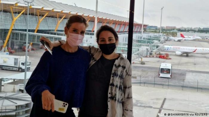 صورة يعتقد أنها حديثة للشيخة لطيفة في مطار إسباني
