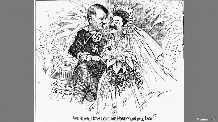 Карикатура в черно-белом варианте появилась в октябре 1939 года в американской газете Washington Star. Ее автор - художник Клиффорд Берримен.