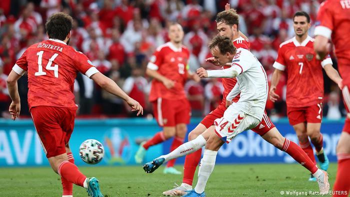Матч Россия-Дания на завершившемся чемпионате Европы по футболу