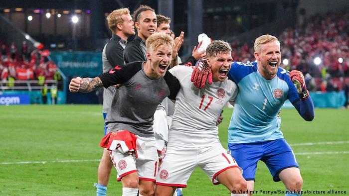 Slavlje danskih igrača nakon pobjede nad Rusijom