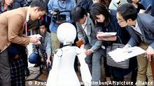 Roboter-Kellner | Japan Tokio Avatar Cafe Dawn