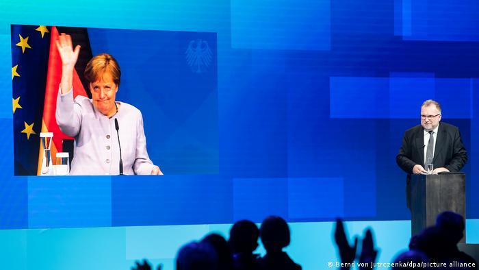 Angela Merkel en el Día de la Industria en Alemania.