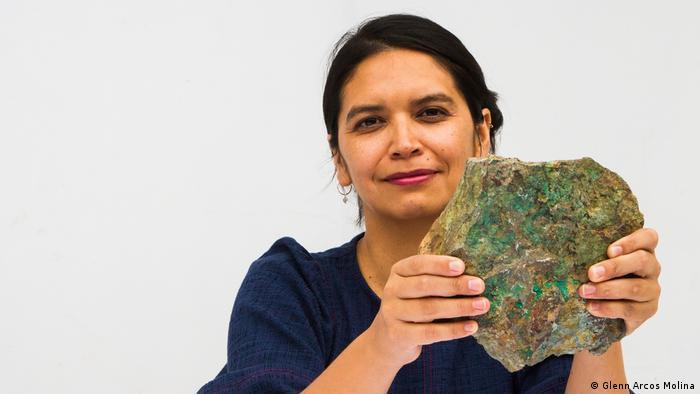 Cristina Dorador participará en la elaboración de una nueva constitución para Chile, lo que podría marcar un hito en la regulación de los procesos extractivos en la región.