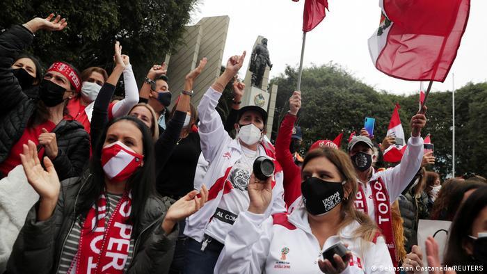 Peru I Protest militärischer Renter in Lima