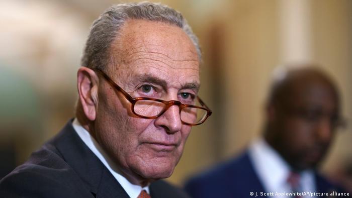 Der Mehrheitsführer im US-Senat, der Demokrat Chuck Schumer: Wir werden das Gesetz nicht sterben lassen.