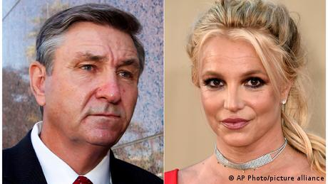 Britney Spears (R) and her father Jamie Spears (L)