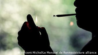 Symbmolbild Drogen, Haschisch, Joint