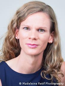 Fabienne Peter, Transfrau & Eishockey-Spielerin EHC Basel