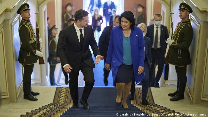 Президенти України (л) та Грузії під час зустрічі у Києві