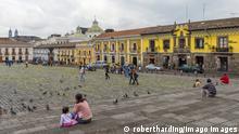 San Francisco Square, Quito Historical center, Quito, UNESCO World Heritage Site, Pichincha Province, Ecuador, South America PUBLICATIONxINxGERxSUIxAUTxONLY Copyright: Gabriellex&xMichelxTherin-Weise 1131-227 San Francisco Square Quito Historical Center Quito Unesco World Heritage Site Pichincha Province Ecuador South America PUBLICATIONxINxGERxSUIxAUTxONLY Copyright Gabriellex&xMichelxTherin Wise 1131 227